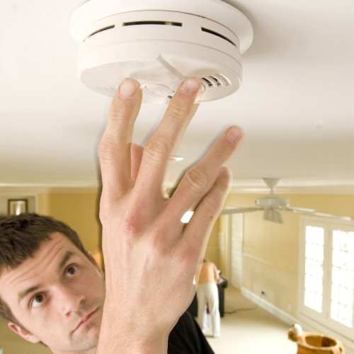 how to test a smoke alarm battery