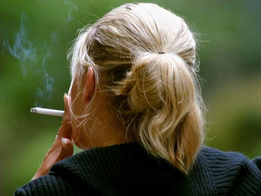 ap-women-smoking-4_3_r536_c534