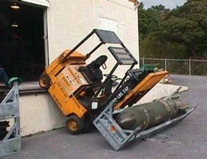 Forklift_Accident_With_Bomb1.jpg-from-onemansblog.com_1