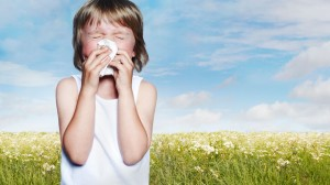 gty_Allergy_season_kid_sneezing_thg_130321_wmain